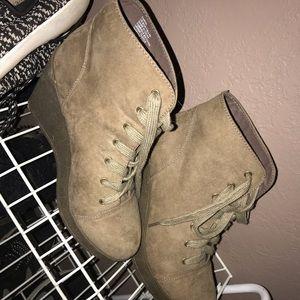 Women's Heeled Booties Size 9